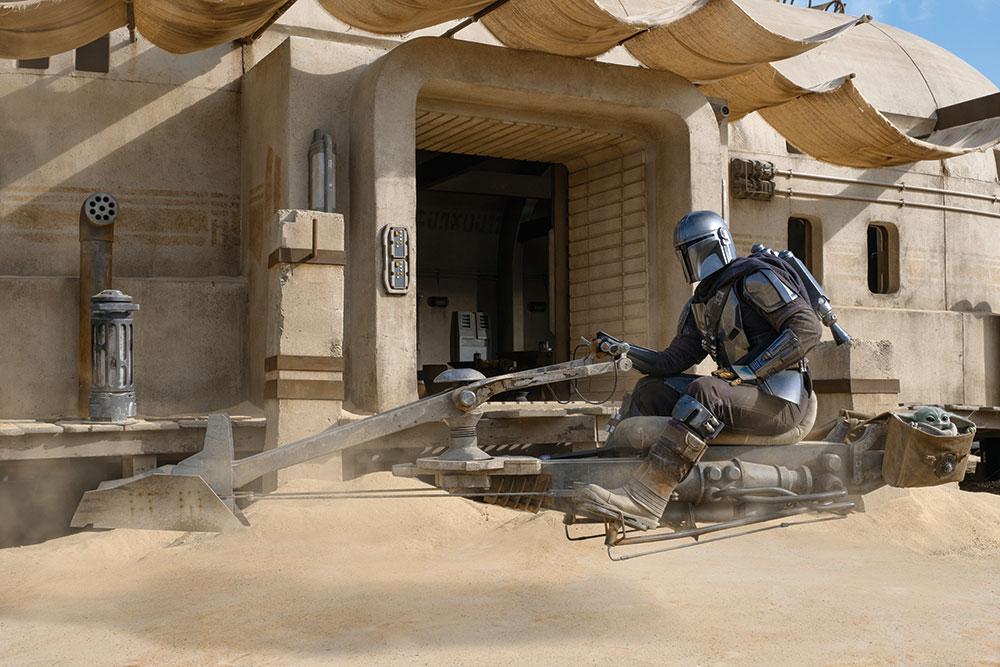 画像: シーズン2 第1話ではスピーダー・バイクが活躍