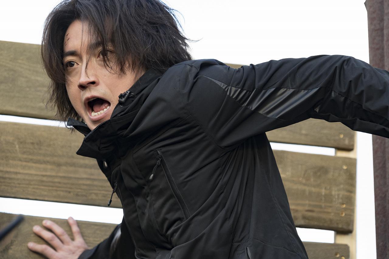 画像1: 映画『太陽は動かない』絶体絶命の大ピンチ!主演・藤原竜也の特別映像公開!