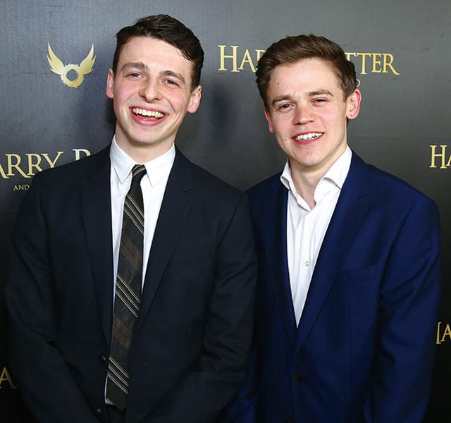 画像: 舞台版でハリーの息子アルバス役を演じたサム・クレメット(右)と、スコーピウス役のアンソニー・ボイル