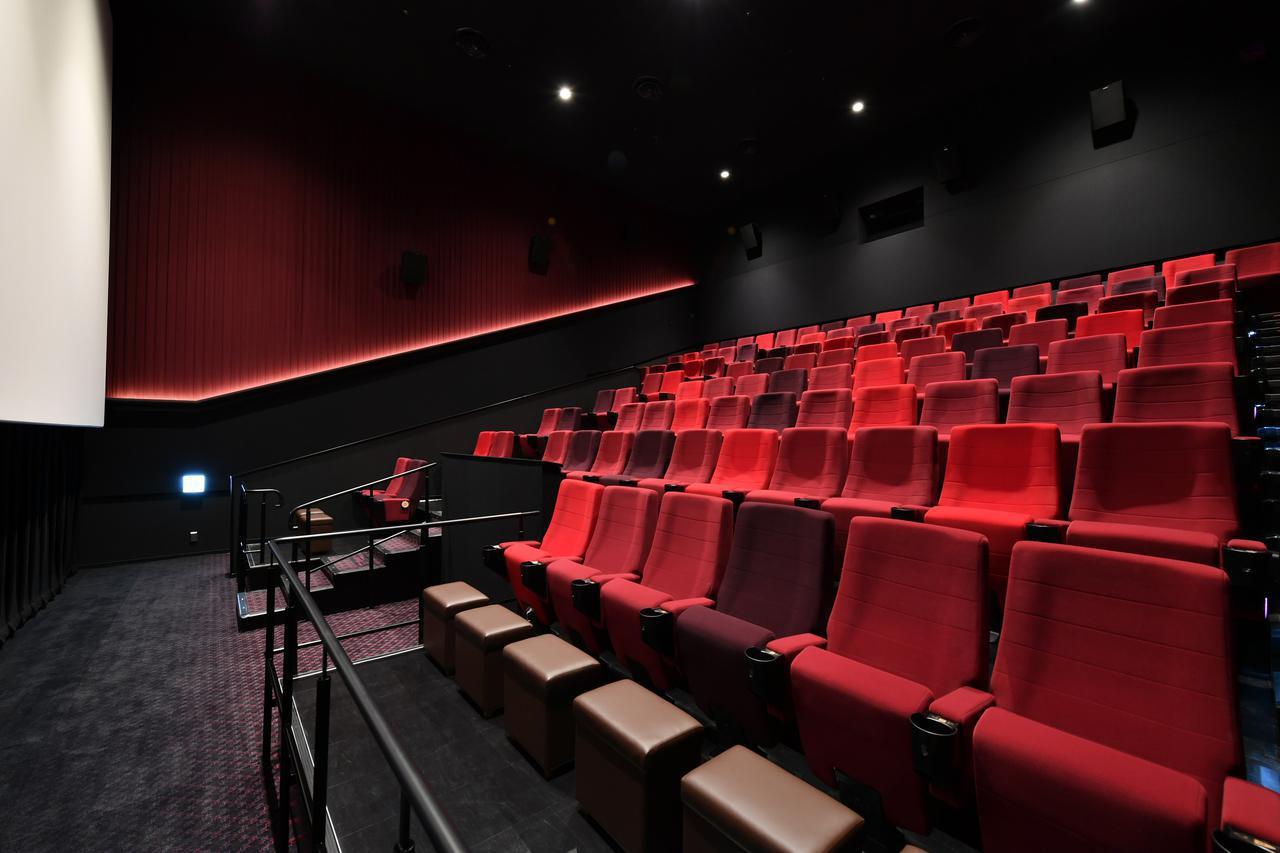 画像: スタンダードクラスのシート www.cinemasunshine.co.jp