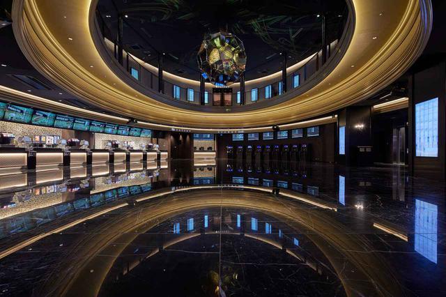 画像: 4Fロビーの左側にあるコンセッション(劇場売店)。映画館お馴染みの飲食系はこちらで販売 www.cinemasunshine.co.jp