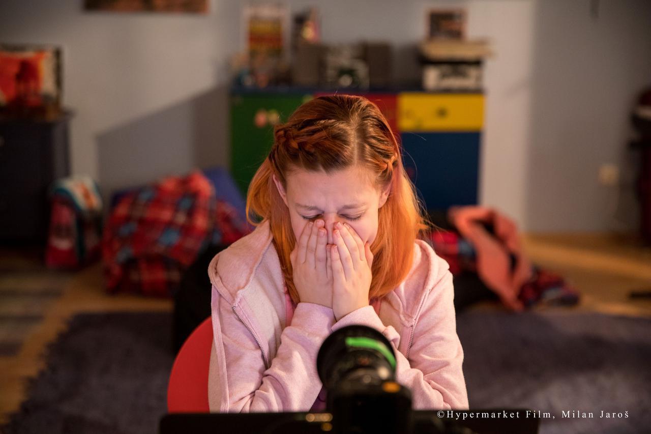 """画像: """"12歳女子""""がSNSで友達募集したらどうなった? 世界震撼の問題作が公開 - SCREEN ONLINE(スクリーンオンライン)"""