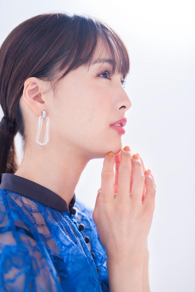 画像1: 〈大友花恋〉Huluオリジナル「マイルノビッチ」インタビュー