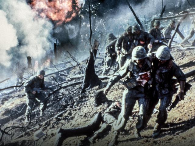 画像1: 地獄の戦場をクール&ファンキーに彩る日本オリジナル予告編が解禁!