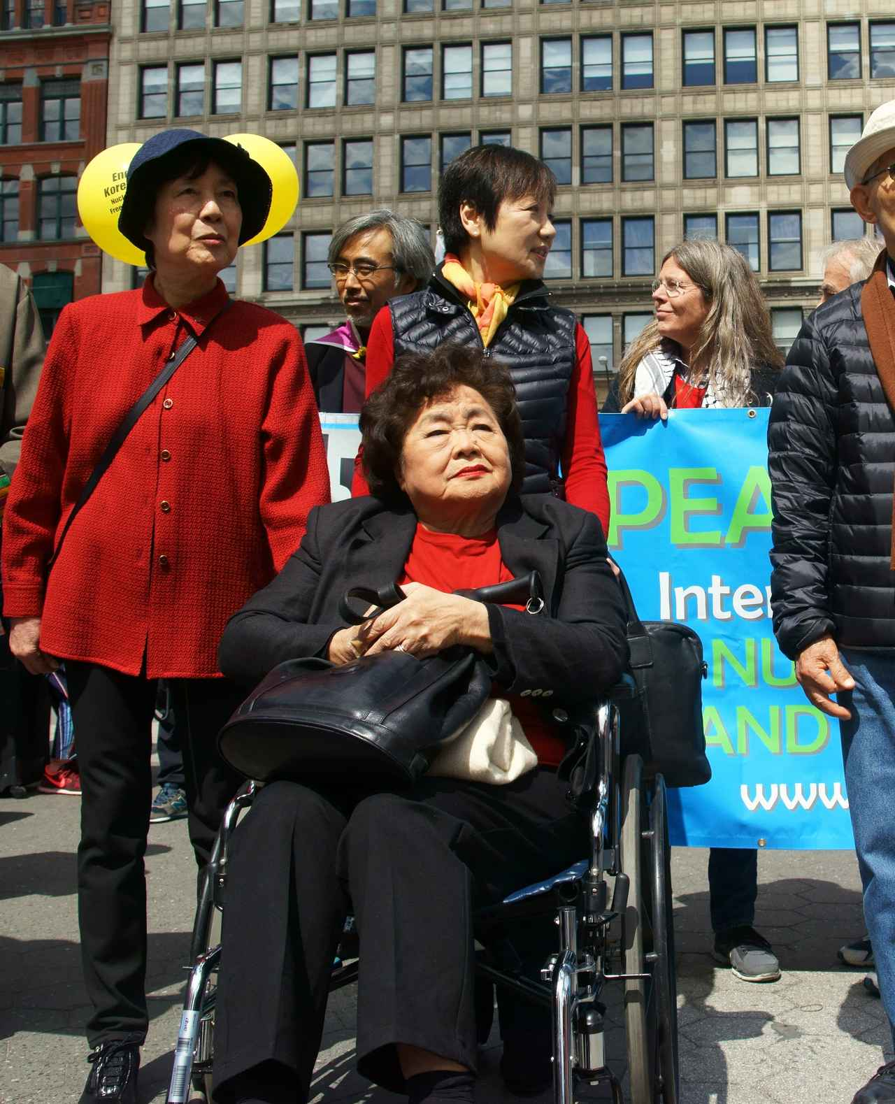 画像2: クライマックスはノーベル平和賞授賞式での力強いスピーチ