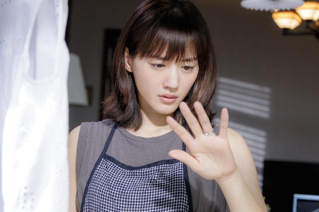 画像3: ©2020映画「奥様は、取り扱い注意」製作委員会
