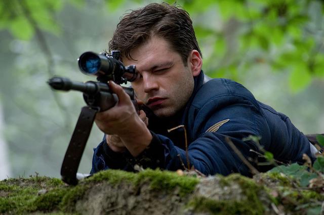 画像1: 『キャプテン・アメリカ/ザ・ファースト・アベンジャー』(2011)より © 2021 Marvel