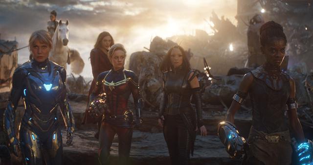 画像: 女性ヒーロー、アッセンブル!?(『アベンジャーズ/エンドゲーム』(2019)より) © 2021 Marvel