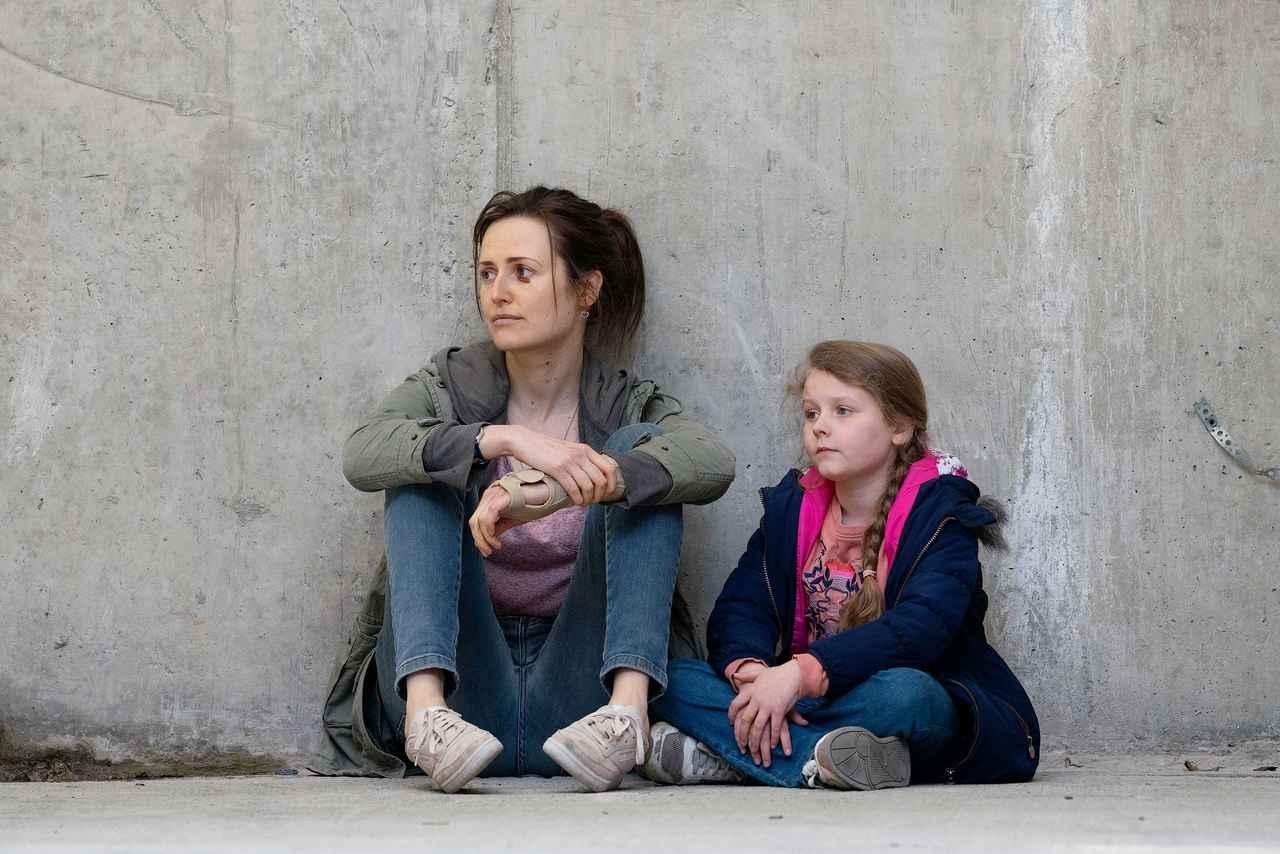 """画像1: クレア・ダンが明かす、母娘の秘密の暗号""""ブラック・ウィドウ""""とは?"""