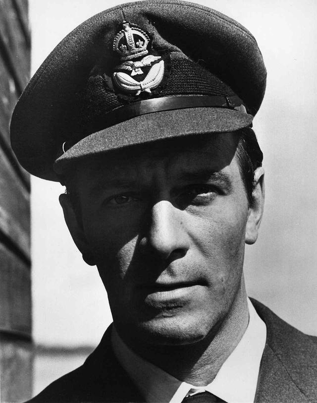 画像: 『空軍大戦略』(1969)では英国軍人役に