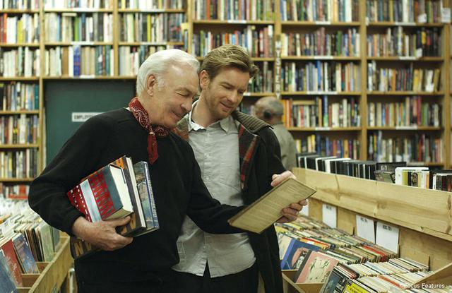 画像: 『人生はビギナーズ』(2010)でユアン・マクレガーと