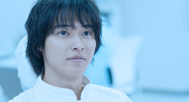 画像1: 山﨑賢人主演映画『夏への扉 ーキミのいる未来へー』6月25日(金)公開決定!新たな場面写真到着