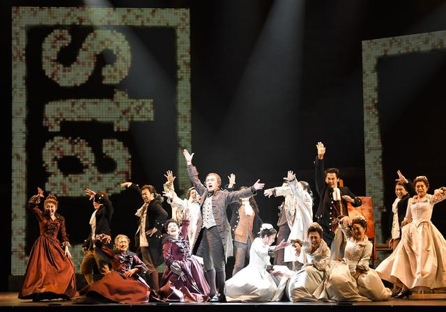 画像4: 舞台の模様