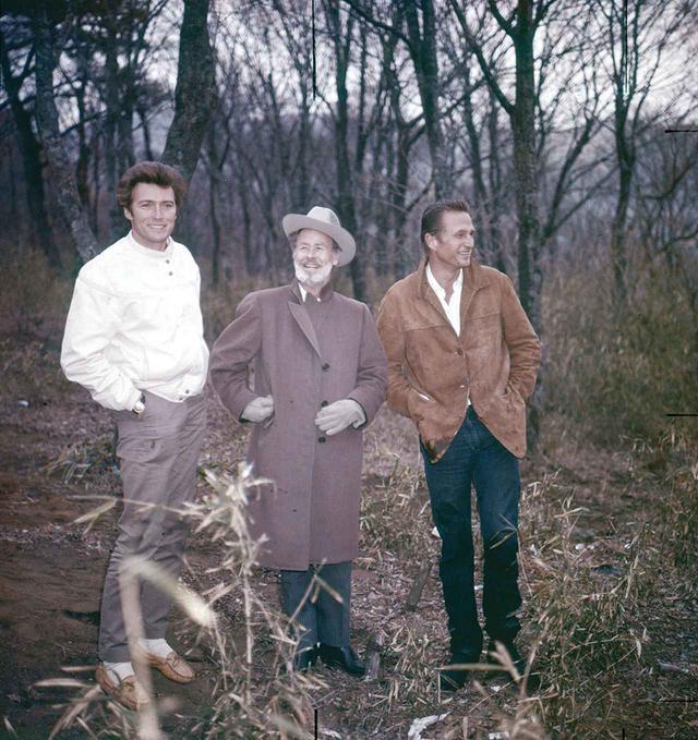 画像: TV『ローハイド』の宣伝で1962年に日本を初めて訪れたクリント・イーストウッドと共演のエリック・フレミング、ポール・ブラインガーはどこに行っても大歓迎を受けた