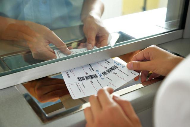 画像: チケット窓口の対策