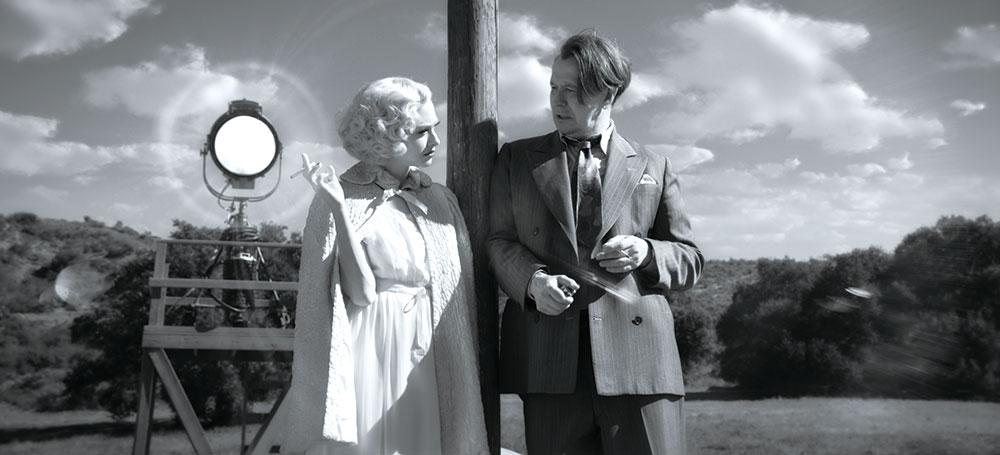 画像: 『Mank /マンク』のアマンダ・サイフリッドとゲイリー・オールドマン Netflix映画『Mank /マンク』独占配信中
