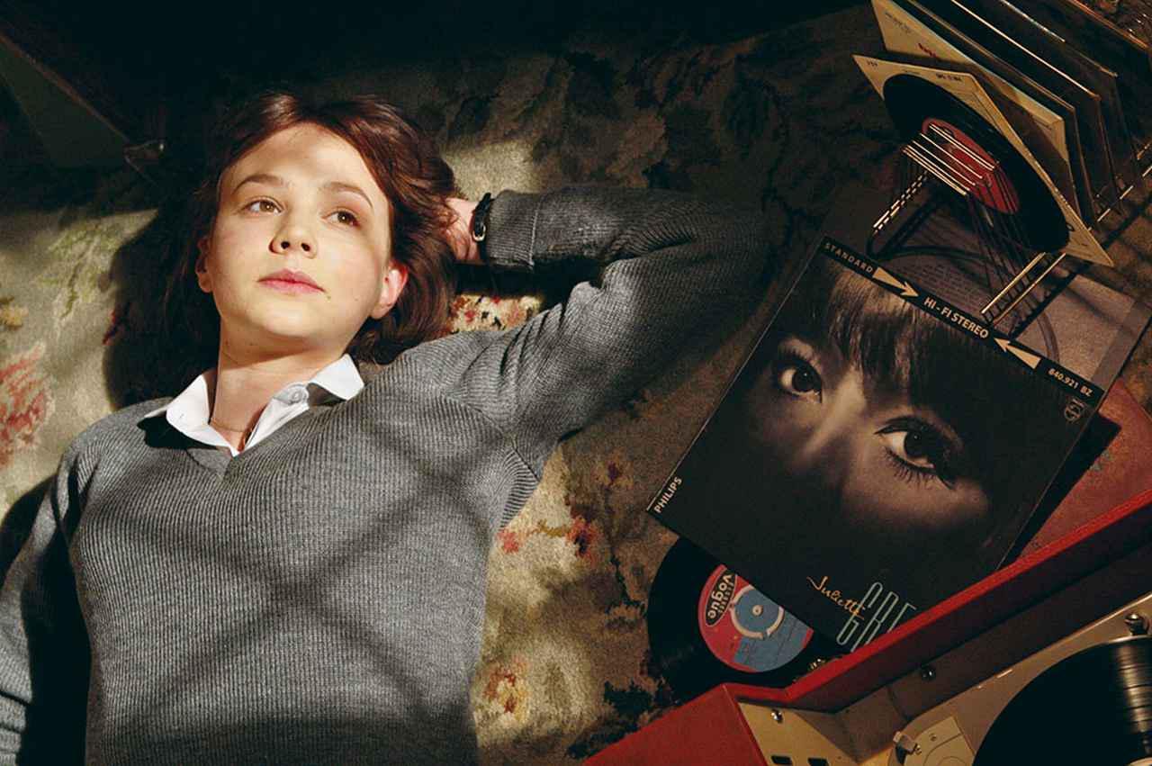 画像: 瑞々しさと批評性を持って十代の少女を演じた『17歳の肖像』で初のアカデミー賞主演女優賞候補に