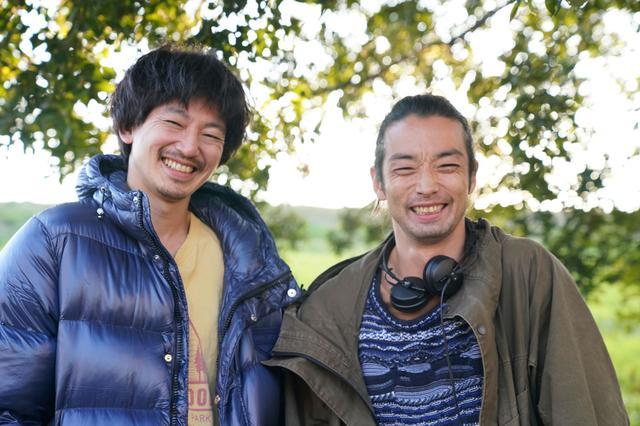 画像: 主演の永山瑛太(左)と森山未來