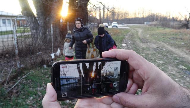 画像2: 難民家族がスマホで自らの旅を撮影した前代未聞のセルフドキュメンタリーが9/11公開