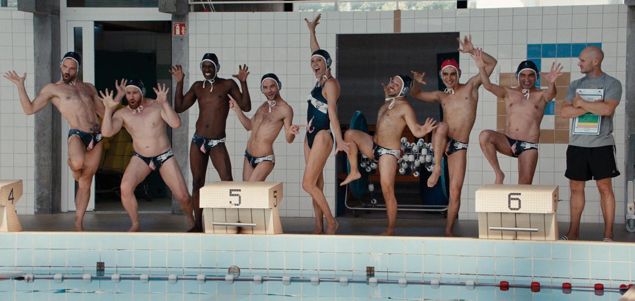 画像: 2012年『最強のふたり』から約10年。最高にハッピーな映画がフランスからやってくる!『シャイニー・シュリンプス!愉快で愛しい仲間たち』 - SCREEN ONLINE(スクリーンオンライン)