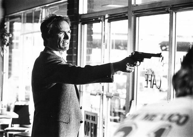 画像: 『ダーティハリー4』(1983)ハリー・キャラハン/クリント・イーストウッド