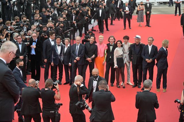 画像1: 豪華キャスト陣が登場!『フレンチ・ディスパッチ』カンヌ国際映画祭レポートが到着