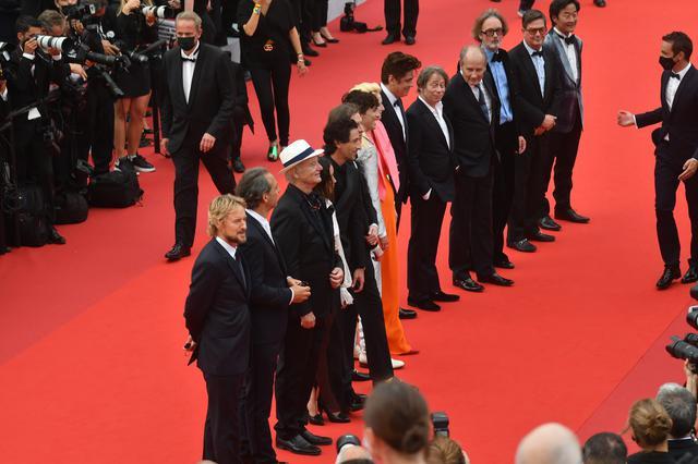画像2: 豪華キャスト陣が登場!『フレンチ・ディスパッチ』カンヌ国際映画祭レポートが到着