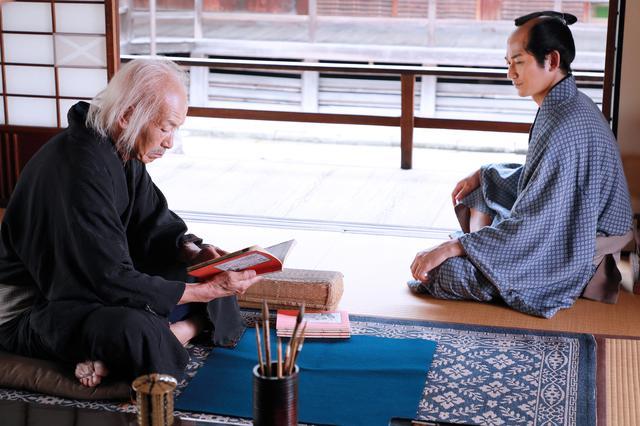 画像4: 柳楽優弥と⽥中泯がW主演で北斎を演じた映画『HOKUSAI』のBlu-ray&DVDが11/5に発売決定!