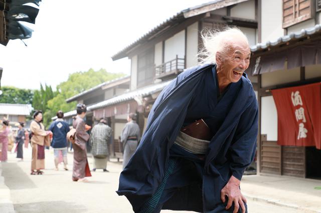 画像2: 柳楽優弥と⽥中泯がW主演で北斎を演じた映画『HOKUSAI』のBlu-ray&DVDが11/5に発売決定!