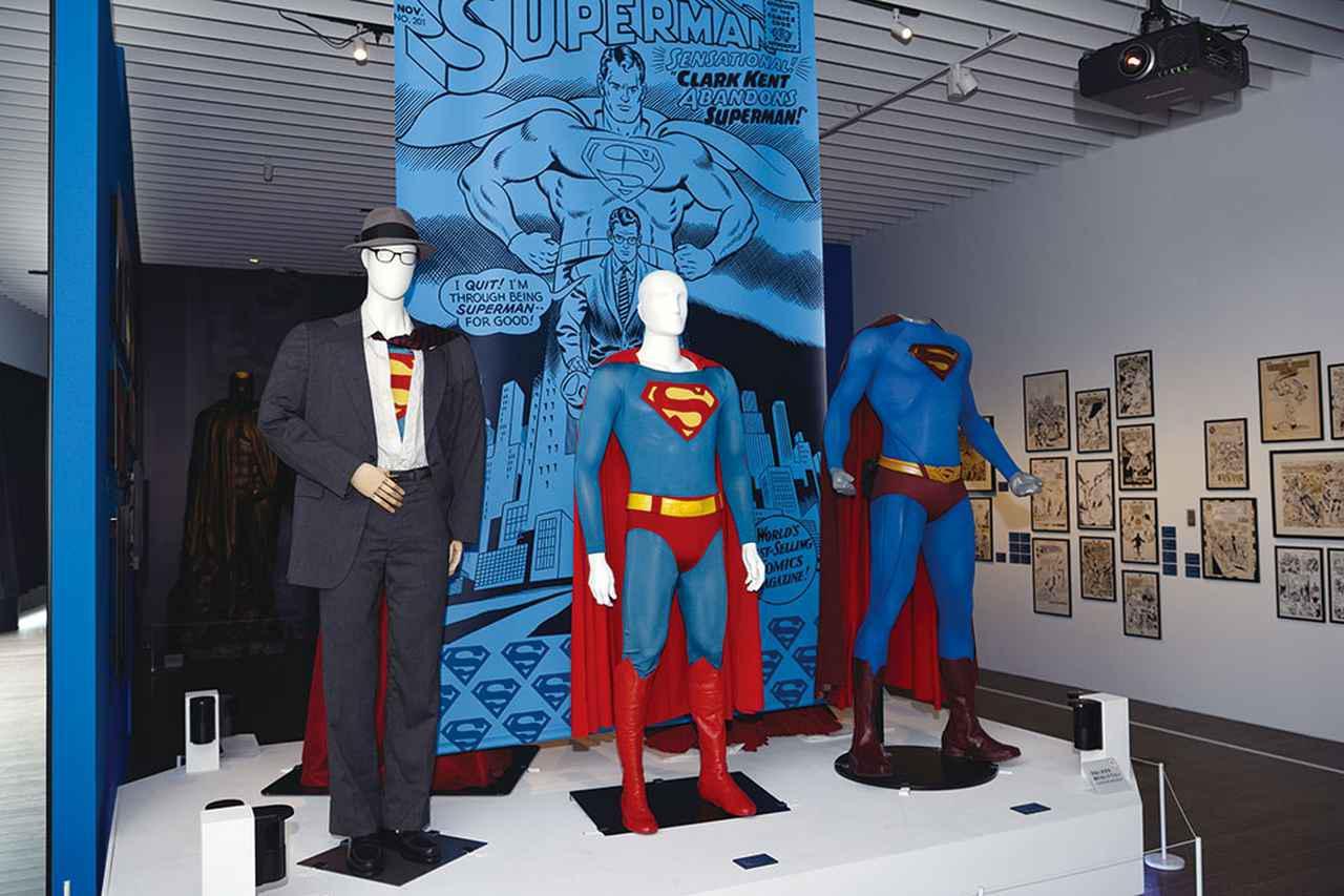 画像: スーパーマンはクリストファー・リーヴ版もヘンリー・カヴィル版も展示