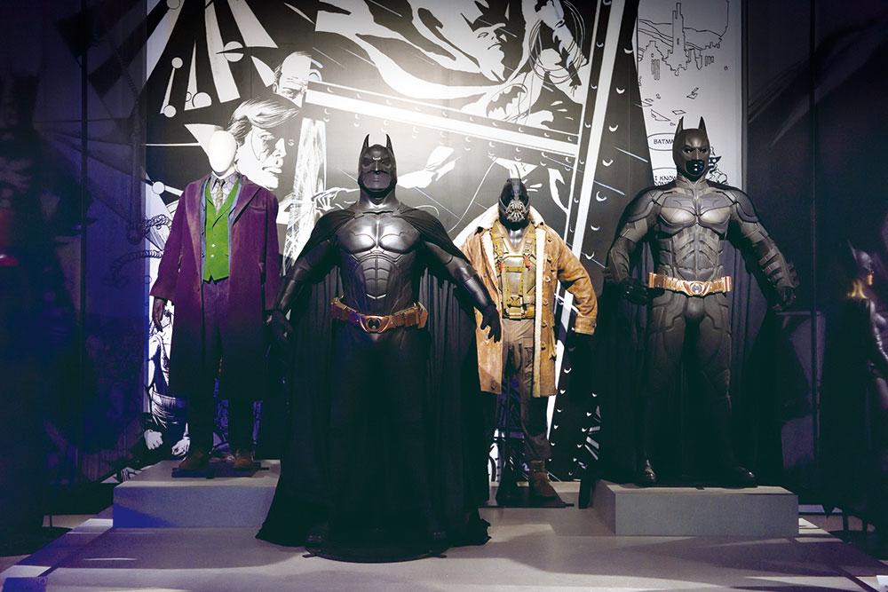 画像: バットマンはヴィランたちの衣装も豊富。ヒース・レジャー着用のジョーカーの衣装も!
