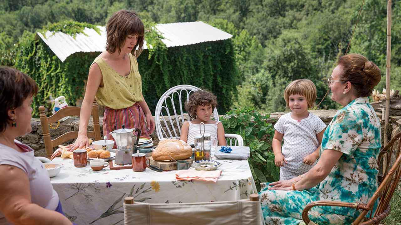 画像2: 親を亡くした都会っ子の少女が田舎の叔父の家族の一員になるまでをとらえる