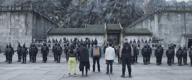 """画像3: """"優しすぎる""""新ヒーローが、封印した力を解き放つ!『シャン・チー/テン・リングスの伝説』場面写真12枚が一挙に解禁"""