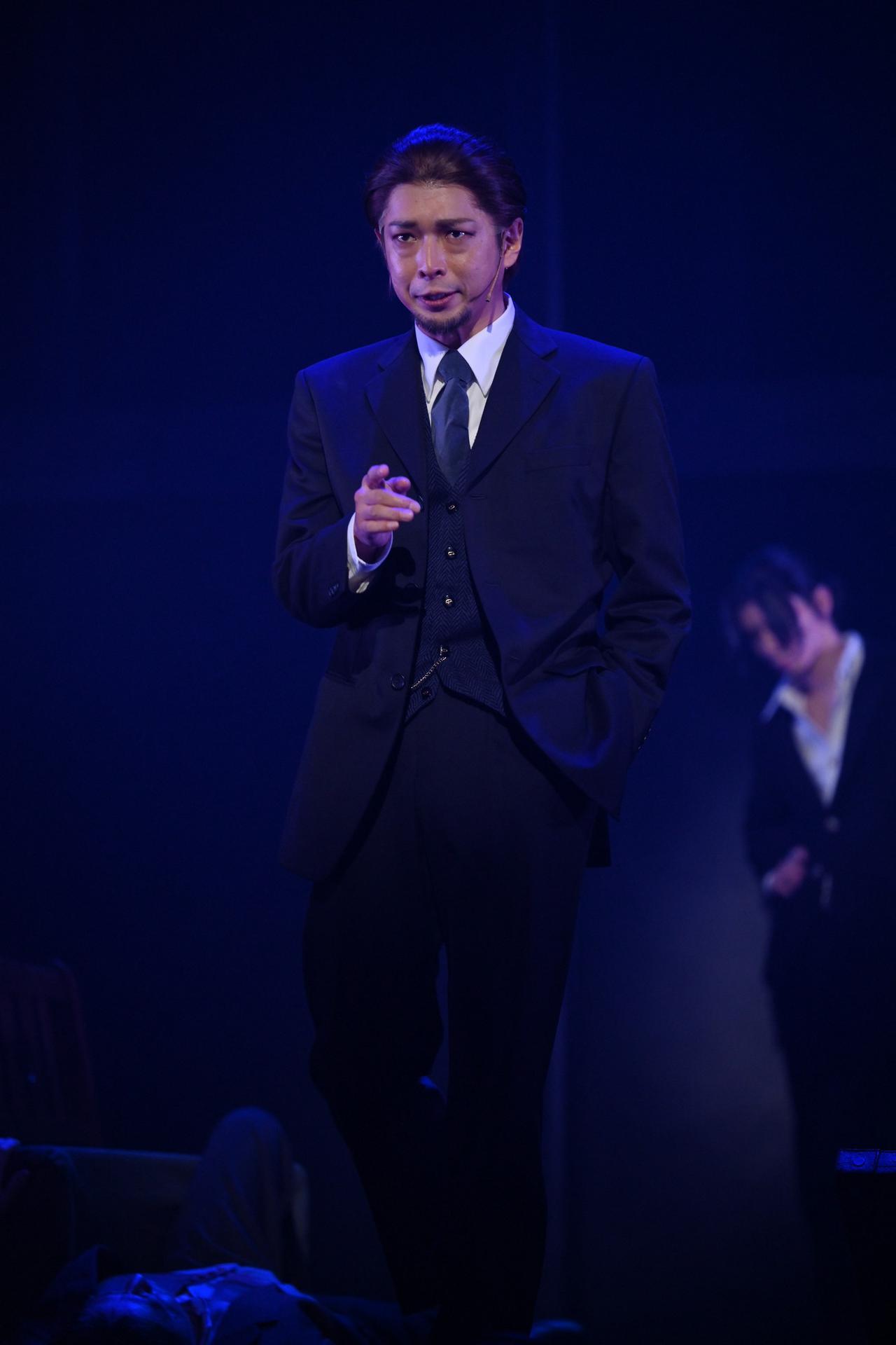 画像9: ©竹内良輔・三好 輝/集英社 ©舞台「憂国のモリアーティ」製作委員会