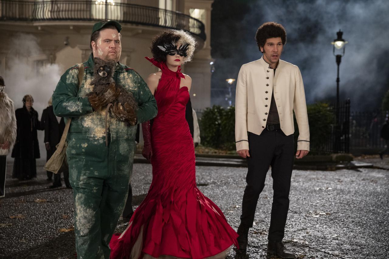 画像2: シーンに合わせたクルエラの衣装デザインに迫るボーナス・コンテンツ解禁