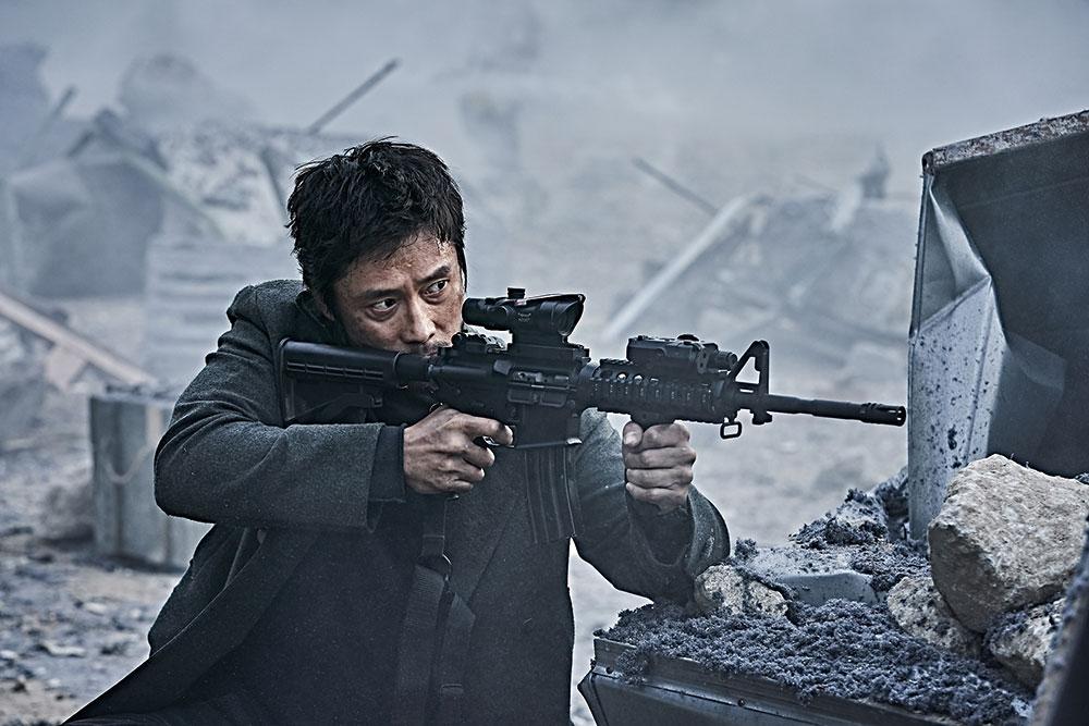 画像3: 韓国3大スターが、火山の噴火から半島を守る!!