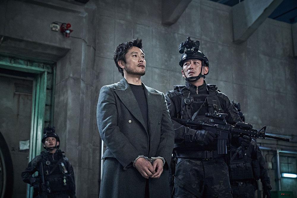 画像2: 韓国3大スターが、火山の噴火から半島を守る!!