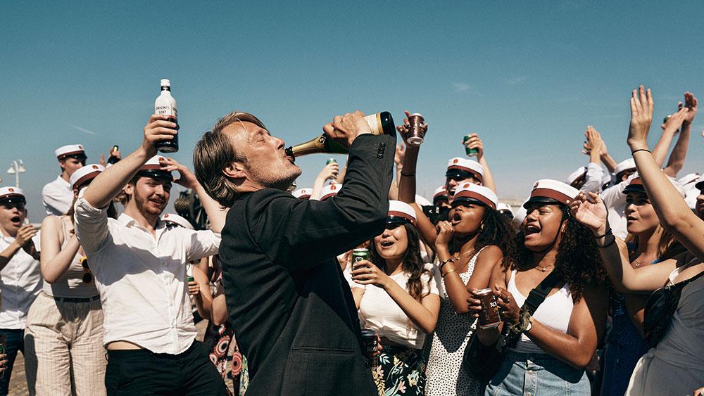 画像3: アルコールで人生大逆転!?マッツの故郷デンマークから届いた最強の人生賛歌