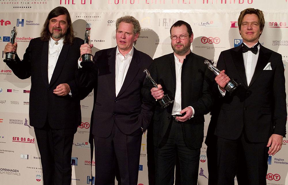 画像: ヨーロッパ映画賞を受賞したドグマ95創設メンバー。左からクリスチャン・レヴリング、ソーレン・クラフ=ヤコブセン、ラース・フォン・トリアー、トマス・ヴィンターベア