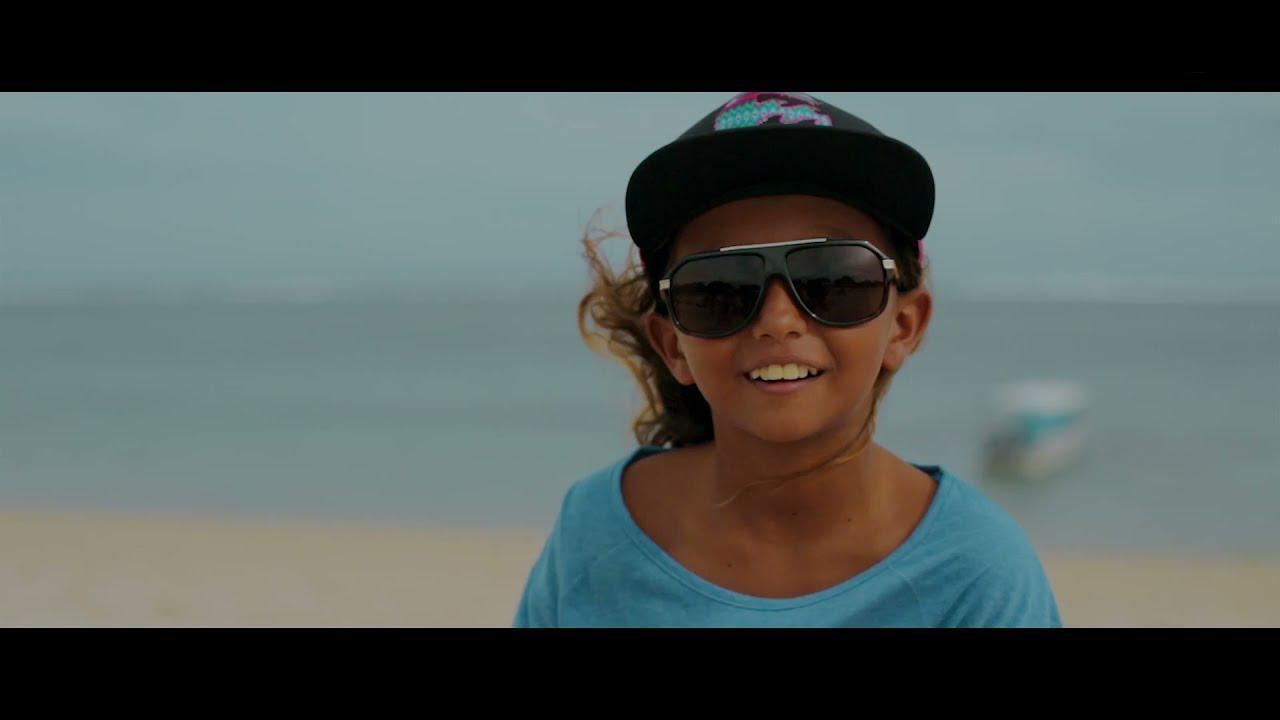 画像: SHE IS THE OCEAN (シー イズ オーシャン)Trailer www.youtube.com