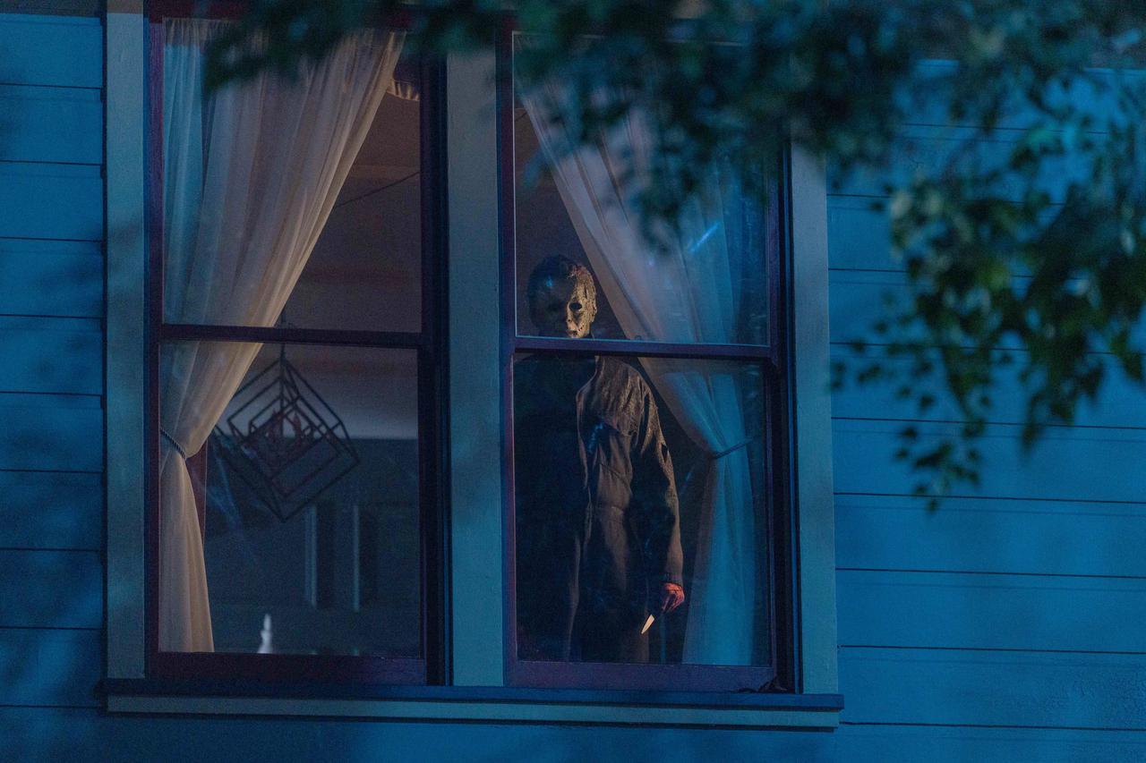 """画像3: 殺る気みなぎるハドンフィールド!『ハロウィン KILLS』""""全員KILLS""""な場面写真が一挙解禁"""