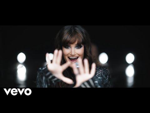 画像: Idina Menzel - Dream Girl (Nile Rodgers Remix - Official Music Video) www.youtube.com