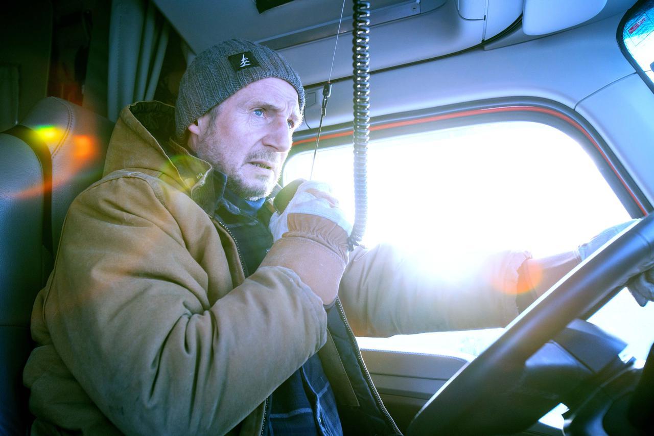 画像: 人命救助のために4人のドライバーが氷の道<アイス・ロード>に挑む!
