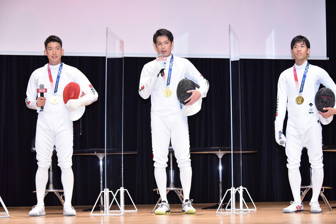 画像: 武井壮と男子フェンシングエペ団体代表の金メダリスト 3 名が登場。