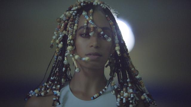 画像: SOLANGE - DON'T TOUCH MY HAIR (OFFICIAL VIDEO) youtu.be
