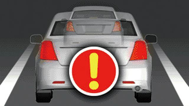 画像: 前方車両が発進すると知らせてくれる機能や接近し過ぎ注意などの機能も搭載する。