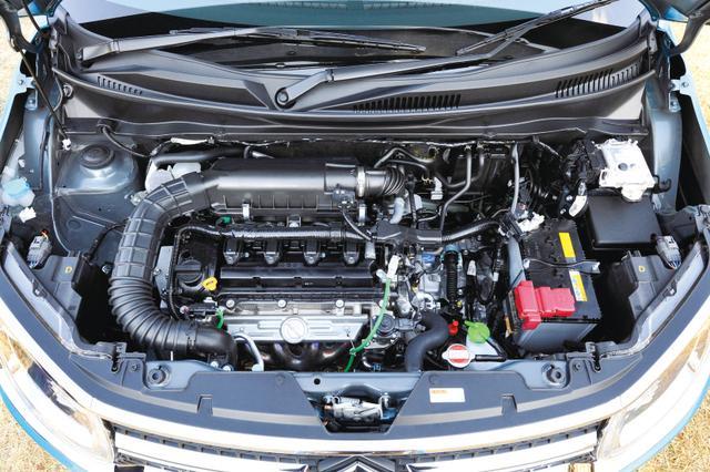 画像: 1.2Lエンジン+モーターのマイルドハイブリッド。減速時に蓄えた電力を燃料消費の多い発進/加速時に使う。