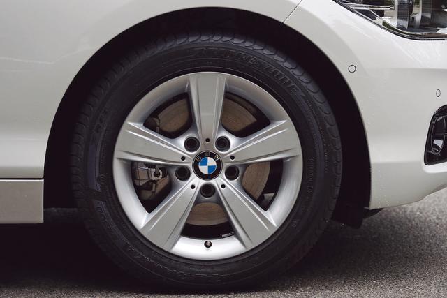 画像4: 【試乗】BMW 118d スポーツは、貴重な後輪駆動のコンパクトディーゼルモデルだ