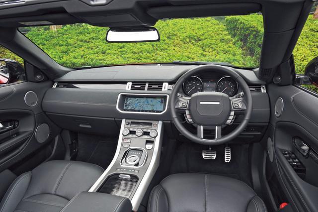 画像: 機能性が高くデザイン的にも洗練されている。SUVとしては着座位置が低くスポーティな感覚を味わえる。