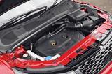 画像: 2L直4DOHCターボエンジンは9速ATと組み合わされ、その実力をフルに発揮する。